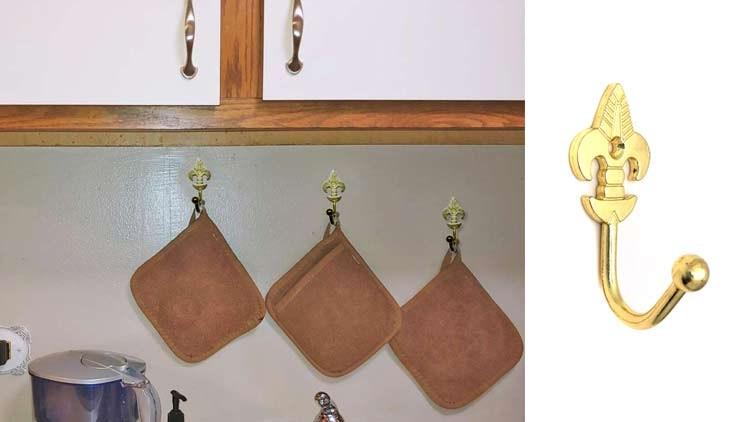 Decorative Wall Hanging Coat Hooks  Curtain Tieback Holders Screws Bright Gold